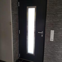 Porte-entrée-aluminium-intérieur