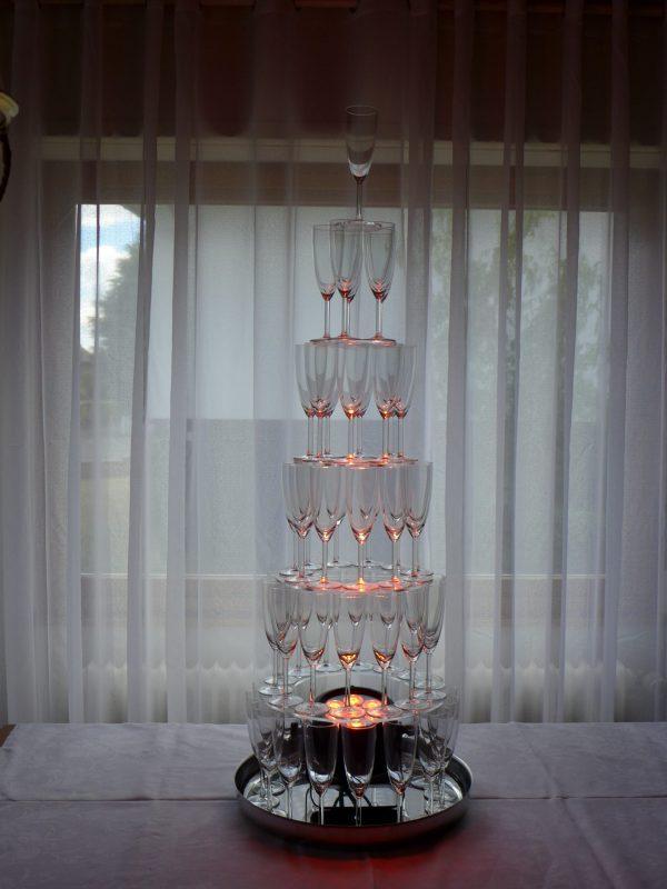 Pack fontaine à champagne, flûtes, 12 btl crémants