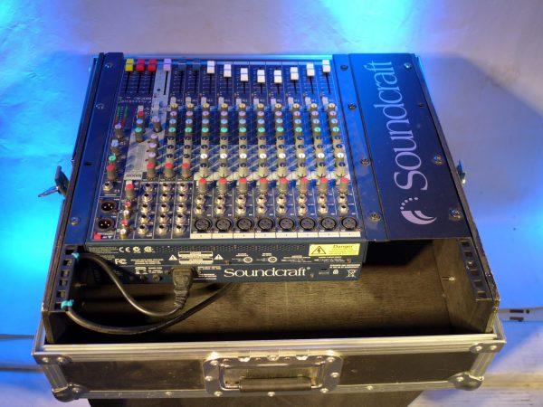 Table de mixage avec effets Soundcraft à louer !