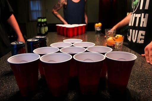 BEER PONG Party / kit complet pour tournoi de BEER PONG Louez le kit complet BEER PONG pour organisez vos tournois. Jouez par équipe au Beer pong, le plus célèbre jeu de boisson des soirées étudiantes américaines. kit complet = 22 gobelets, 4 balles, 2 rack et une table pour organisez votre tournoi. Etat : neuf Prix LOCATION : 25 € le kit complet pour 48h. En option : beer-pong, baby foot, pétanque. Louez en CLIC & COLLECT Livraison possible. Location de matériel : https://www.leboncoin.fr/boutique/111185/ Nos cours de danse spécial mariage et EVJF : http://laguinguettedurhin.fr/cours-de-danse/ Nos prestations : https://strassevents.eu/ Antoine Johner DJ / Wedding planner / Professeur de danse / Maître de cérémonie info@strassevents.eu / 06 82 59 21 73 Spécial DECONFINEMENT, Louez nos packs Sono et Jeux de lumière / Déconfiné mais pas équipé ! Nous proposons de nombreuses prestations : DJ, karaoké, wedding planner, cérémonie laïque, décoration, ouverture de bal, etc. En location : frigo, couverts, verres, percolateur, crémant, fontaine à champagne, Son & lumière : sono, jeux de lumières, vidéo projecteur, Mariage : machine fumée lourde, projecteur lèche mur, moquette, guirlandes électrique, Divers : tandem, baby-foot, transat géant, beer-pong, etc. A vendre : moquette VIP rouge Eco responsable, louez local et participez à la relance :) Retrouvez-nous sur Google : https://g.page/StrassEvents?gm BEER PONG Party / kit complet pour tournoi de BEER PONG