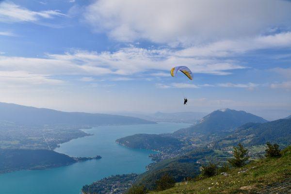 paragliding-4669976_1920
