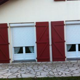mise_en_palce_volet_roulant_alu_pvc_sur_mesure_pays_basque_sud_des_landes