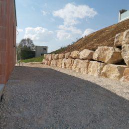 Pose de bloc de pierre, enrochement1